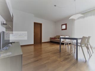 Agenzia Studio Quinto Modern corridor, hallway & stairs
