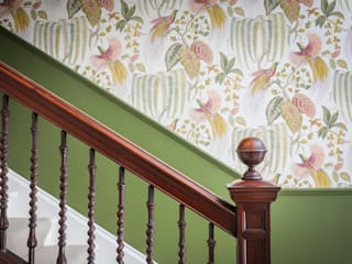 Saving Graces Interiors Saving Graces Interiors Classic style corridor, hallway and stairs Green
