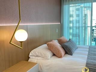 ea interiorismo Small bedroom Brown