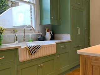 Edwardian style bespoke kitchen in Breakfast Room Green John Ladbury and Company Kitchen