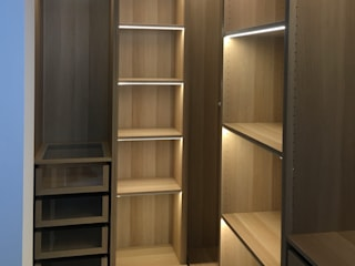APPARTAMENTO A MILANO_03 Arch+ Studio Camera da letto moderna