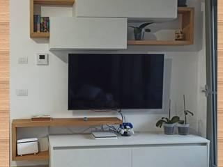 MINI Parete soggiorno TV realizzata su misura CORDEL s.r.l. SoggiornoSupporti TV & Pareti Attrezzate Legno composito Bianco