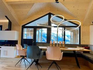 Skapetze Lichtmacher Country style dining room
