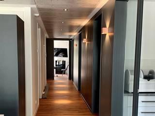 Skapetze Lichtmacher Modern Corridor, Hallway and Staircase