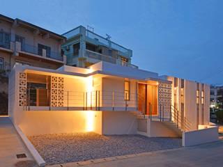 園田の家 久友設計株式会社 一戸建て住宅 コンクリート 白色