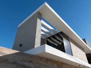 KARLEN + CLEMENTE ARQUITECTOS Einfamilienhaus Beton Grau