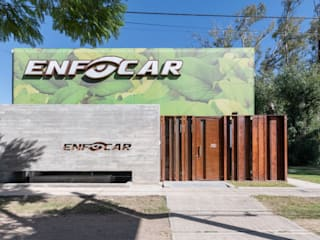 KARLEN + CLEMENTE ARQUITECTOS Moderne Häuser Beton Grau