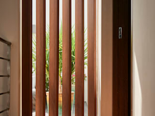 Eightytwo Małe sypialnie Drewno Brązowy