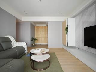 現代美式天空 微自然室內裝修設計有限公司 斯堪的納維亞風格的走廊,走廊和樓梯