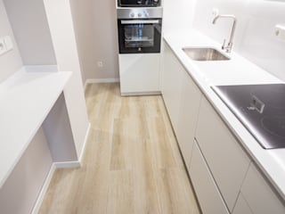 Grupo Inventia Built-in kitchens Ceramic Wood effect