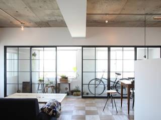 株式会社ブルースタジオ 现代客厅設計點子、靈感 & 圖片