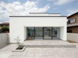 atelier137 ARCHITECTURAL DESIGN OFFICE Casas unifamilares Blanco