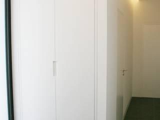Almacén de Carpintería Gómez الممر الحديث، المدخل و الدرج