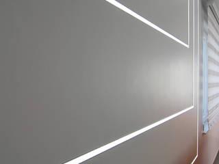 Agence ADI-HOME Paredes y pisos de estilo moderno