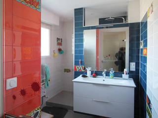 Agence ADI-HOME Baños de estilo moderno