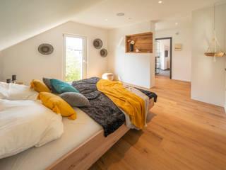 FischerHaus GmbH & Co. KG Scandinavian style bedroom