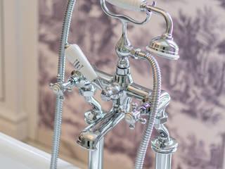 Traditional Bathrooms GmbH BañosGrifería Metal Metálico/Plateado