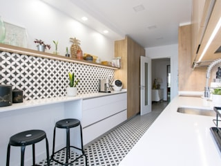 Traço Magenta - Design de Interiores Modern Mutfak Ahşap Beyaz