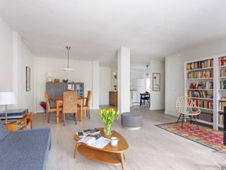 Arquigestiona Reformas S.L. Living room Engineered Wood White