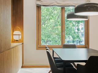 Reforma de un piso en Bonanova, Barcelona dom arquitectura Comedores de estilo moderno