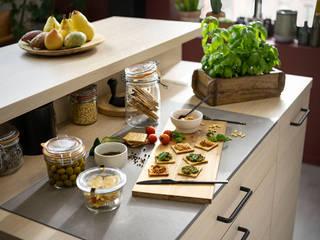 Eine Arbeitsplatte in der Arbeitsplatte – eingebettete Vorbereitungsfläche Work'n'Cook von SCHMIDT Schmidt Küchen KücheArbeitsplatten