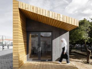 Estúdio AMATAM Rumah prefabrikasi Kayu Wood effect
