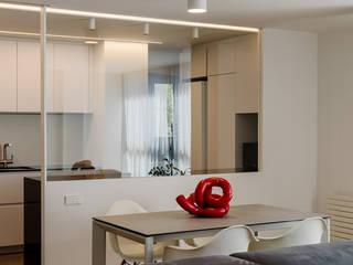 Reforma integral en Vila Olimpica, Barcelona Studioapart Interior & Product design Barcelona Cocinas integrales Blanco