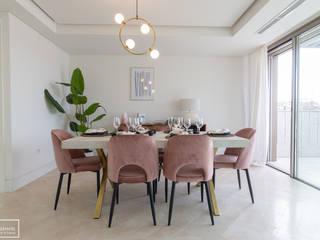 Home staging para ático en Madrid con nuestros muebles de alquiler Theunissen Staging y Decoración SL Comedores de estilo ecléctico