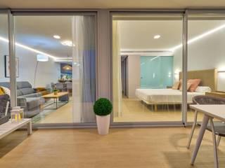 Piso para alquiler vacacional Ambar Decoraciones Balcones y terrazas de estilo mediterráneo Aluminio/Cinc Blanco