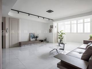 全室翻新 │ 文化天廈 SING萬寶隆空間設計 现代客厅設計點子、靈感 & 圖片