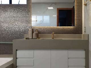 Larissa Minatti Interiores Modern bathroom