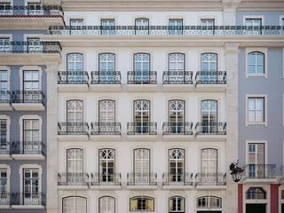MA.TERIA. REHAB. MADALENA 95 MA.TERIA. ARCHITECTURE SOLUTIONS Casas clássicas Azulejo