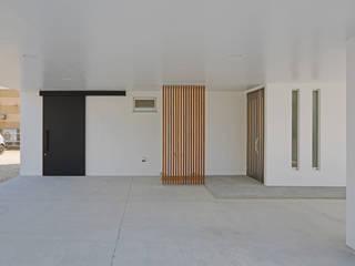 角地の家 久友設計株式会社 カーポート 鉄筋コンクリート 白色