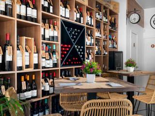 Vinoteca Gourmet Ambar Decoraciones Bares y clubs de estilo mediterráneo