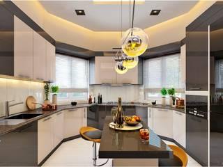 Monnaie Interiors Pvt Ltd КухняКухонний посуд Інженерне дерево Дерев'яні
