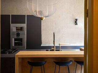 MIRA Interieur & Meubelontwerp KitchenBench tops Silver/Gold Black
