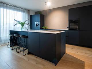 MIRA Interieur & Meubelontwerp Kitchen units Marble Black