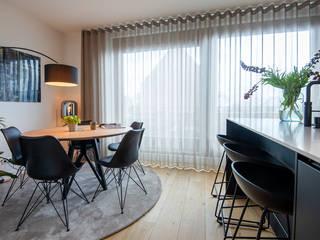 MIRA Interieur & Meubelontwerp Minimalist dining room Wood Brown