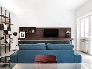 Studio GAMP! Salones de estilo minimalista