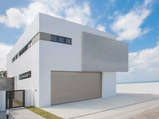 森に開く家 久友設計株式会社 一戸建て住宅 コンクリート 白色