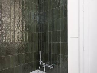 Studio GAMP! Baños de estilo minimalista Verde