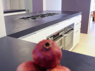 REALIZZAZIONE: Villa privata San Marino   Ecoover Superfici Continue Ecoover® Cucina moderna