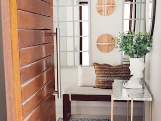 ilisi Interior Architectural Design Koridor & Tangga Gaya Mediteran Kayu White