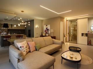 Studio Ferlenda Salas de estilo moderno Ámbar/Dorado