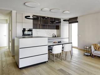 Heerwagen Design Consulting Modern style kitchen Solid Wood