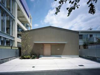 藤原・室 建築設計事務所 Casas modernas Bege