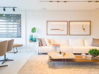 Arquitetura Sônia Beltrão & associados Ruang Keluarga Modern Marmer White