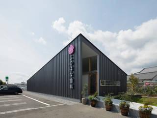 Studio R1 Architects Office Modern clinics