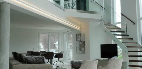 Penthouse In Saarbrücken: Moderne Wohnzimmer Von Bolz Licht U0026 Wohnen