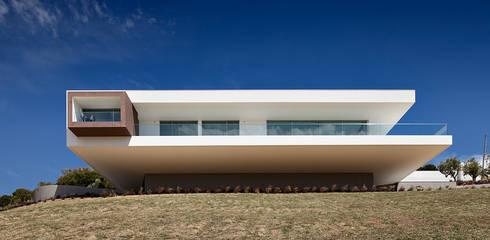 Villa Escarpa, Praia da Luz, Portugal: moderne Häuser von Philip Kistner Fotografie